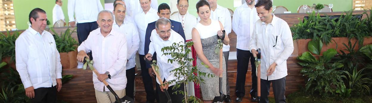 Gustavo-Cisneros-Tropicalia